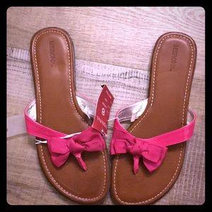 NWT Merona pink sandals size 8